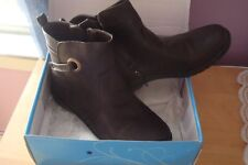 ROUGE WOMEN WINTER BOOTS SIZE 11 NEW
