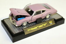 M2 Machines 1/64 SCALA R33 1970 Oldsmobile Cutlass 442 Lilla Modello Diecast Auto