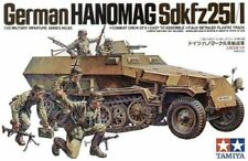 TAMIYA GERMAN WWII HANOMAG SD.KFZ.251/1 WITH CREW Scala 1:35 Cod.35020