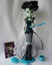Monster High Ghouls Rule Frankie Stein Doll with Accessories in Mint Condition!