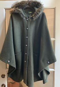Geiger Of Austria Boiled Wool Cape Cedar Green With Fur Trim Hood $1140 Pockets