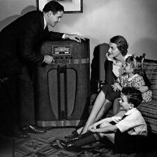 THE CREAKING DOOR - OLD TIME RADIO - 1 CD - 42 mp3  Total Playtime: 20:48:07