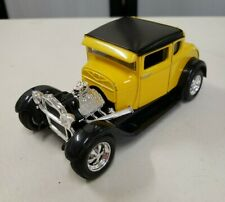 Maisto 1/24 Yellow Black 1929 Ford Model A Die-Cast Car Collectible