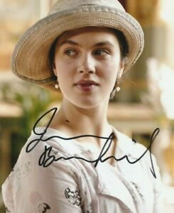 """JESSICA BROWN FINDLAY AUTOGRAPH SIGNED 10X8"""" PHOTO (*DAMAGED* SEE DESCRIPTION*)"""