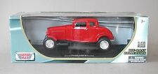 1:18 Motormax 1932 Ford 5 Window Coupe Hot Rod - Red
