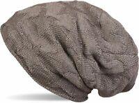 Bonnet tricoté beanie en laine fine avec un motif tricoté en forme d'étoile