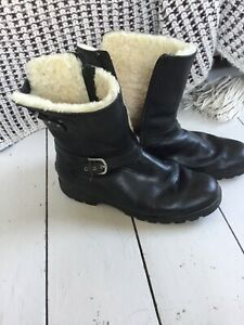 Ugg Grandle Black Boots, 7.5 / 41
