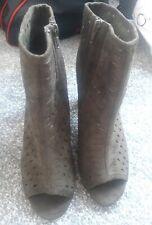 Ladies Size 7 peep toe boots khaki Green BNWOT