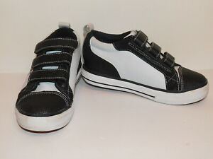Heely's X2 Black & White With Easy Closure Youth Size 3 Ninja Grip Tread