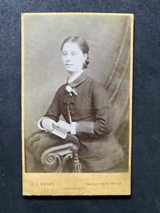 Victorian Carte De Visite CDV: Young Lady: Meves London