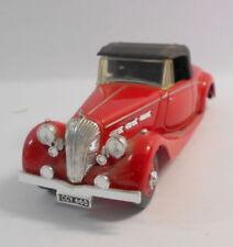 Voitures, camions et fourgons miniatures blancs Dinky Triumph