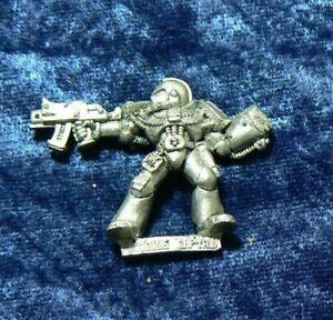Warhammer 40k Space Marine Classic Metal Crimson Fist Imperial Fist Captain OOP