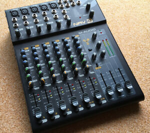 M-Audio NRV10 8in2 Analog Mixer mit integr. Multi Effekt.