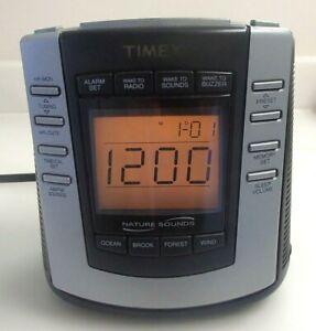 TIMEX Nature Sounds Digital Clock Radio AM/FM T300B black silver - RV$46