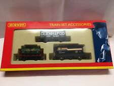 Hornby R6226 Pack of three four-wheel Wagons - Exclusive to 'Clifford James'