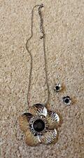 NEW Flower Necklace & Earrings Set