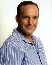 CLARK GREGG Signed THE NEW ADVENTURES OF OLD CHRISTINE RICHARD CAMPBELL Photo