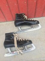 ANCIENNE PAIRE PATINS A GLACE KUNGALV SWEDEN VINTAGE ICE SKATES