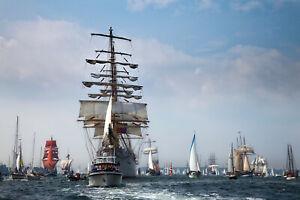 Steuern Sie die EYE OF THE WIND beim Hafengeburtstag 2022 über die Elbe