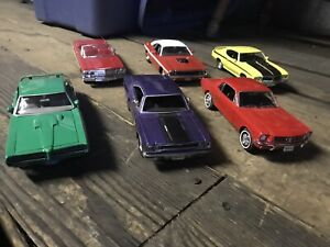 Lot of various 1:24 scale diecast muscle cars