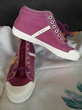 canvas trainers size 4.5