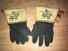 Vintage Hanna-Barbera Huckleberry Hound Dog Cowboy Childrens Costume Gloves
