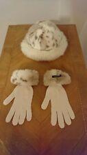 ISchönes Apart Mütze und Handschuhe Set Wollweiss Webpelz Strick 50% Merinowolle