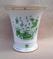 """CONTINENTAL HEREND PORCELAIN VASE IN URN SHAPE """"GREEN CHINESE BOUQUET PATTERN 2"""
