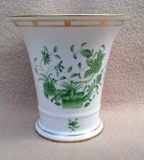 "CONTINENTAL HEREND PORCELAIN VASE IN URN SHAPE ""GREEN CHINESE BOUQUET ""PATTERN 2"