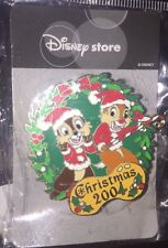 Disney Pin JDS Japan Store Chip And Dale Christmas 2004 Does Not Light Up Wreath