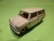 DINKY TOYS 197 MORRIS MINI TRAVELLER - BROKEN WHITE 1:43 - GOOD CONDITION