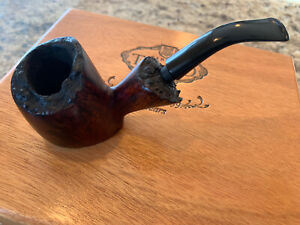Excellent Knute Of Denmark - Freehand Sitter Estate Pipe Natural Burl Rim