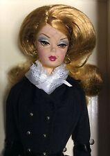 NRFB Barbie SILKSTONE Doll PRETTY PLEATS Robert Best Model 2006 Gold Label J0956