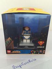 Lego 5004077 Target Exclusive 4 minifigures Per cube Lighting Lad Kia 2015