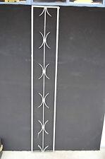 GRILLE  EN FER FORGE / 26.5 cms de large x 159.5 cms de haut