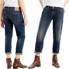 Levi's Medium Wash Denim Boyfriend Cropped Style Jeans Size 31 Mid Rise