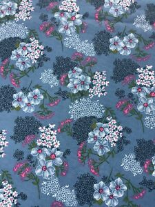 Vintage 1970s Floral   Fabric,  Ideal For Dress Making  , 158 Cm  By 185 Cm