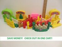 CHOOSE - Fisher Price Little People Fence - Shipping Discount on Multiples