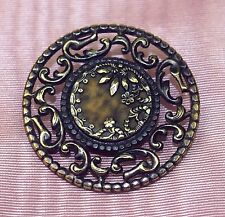 BOT-015 BUTTON. METAL CHISELED. GILDED. ETCHED GLASS. FRANCE(?). END XIXTH.
