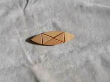 Brosche / Anstecknadel aus Holz, pastellfarben