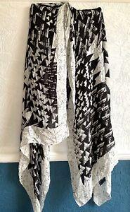 Large Black White Geometric Wrap Shawl Head Neck Rectangle Scarf Marks & Spencer