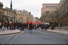 PHOTO  1979 BROAD STREET OXFORD - MAY DAY REVELS 1979 MAY DAY IS CELEBRATED BY S