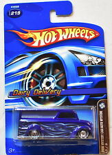 HOT WHEELS 2006 MYSTERY CAR/AUTO MYSTERE DAIRY DELIVERY #219 BLUE