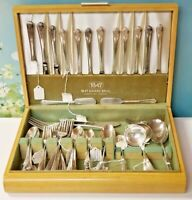 VINTAGE 1949 HOLMES & EDWARDS SPRING GARDEN 72PC IN BOX