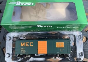 BOWSER HO SCALE MAINE CENTRAL 40' GREEN BOX CAR RTR - ROAD #6590 - ITEM #42445