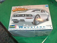 Revell 85-2839 2006 Ford Mustang GT 1/25 Model Car  -------Parts may be missing?