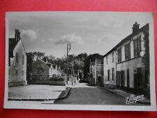 VOISENON  :  La Grande Rue  -  La Place.......VO.1953.