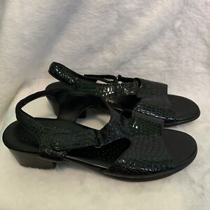 SAS Black Faux Snake Skin Patten Leather Womens Tripad Sandals Size 10
