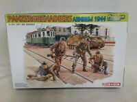 1/35 Dragon WWII German Panzer Grenadiers (Arnhem 1944) (4 Figures, kit #6308)