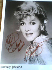"""BEVERLY GARLAND , Autographed """"  8X10 black&white  PHOTO,with COA! !!!"""